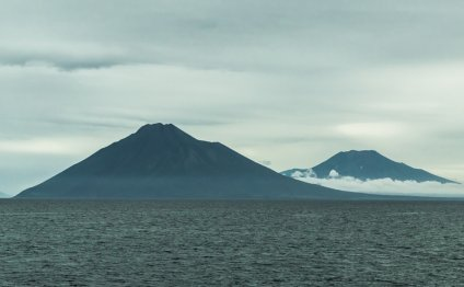 Вулканы острова Итуруп