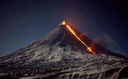На Камчатке по склонам вулкана