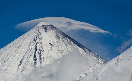 Почему вулканы на Камчатке